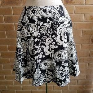 Ann Taylor black and white skirt petite 2P